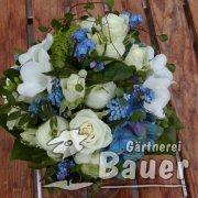 Brautstrauß weiß blau
